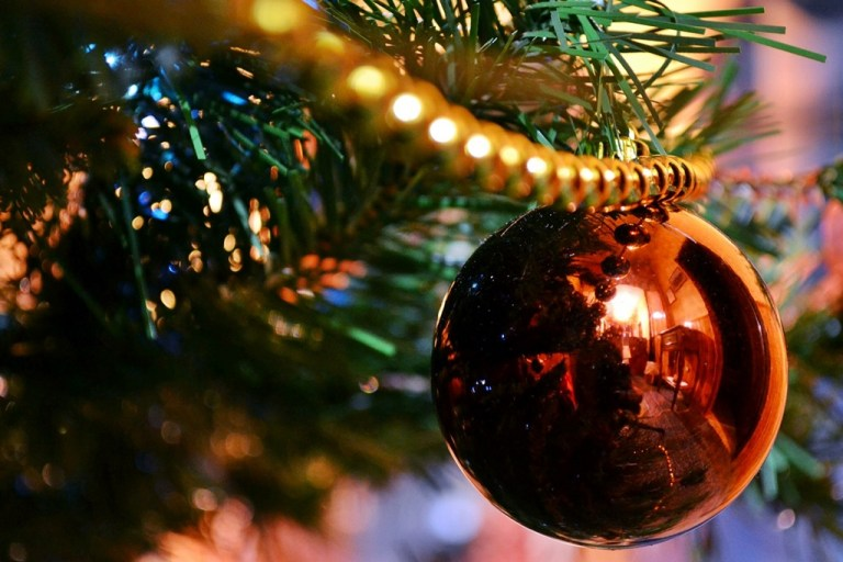 How to decorate your Home for Christmas in no time