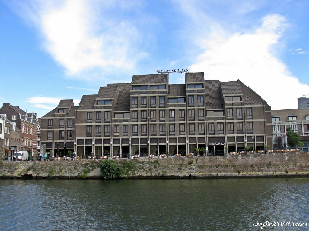 Outside view on Crowne Plaza Maastricht, with the Maas in between