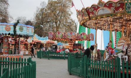 HYDE PARK WINTER WONDERLAND LONDON JoyDellaVita