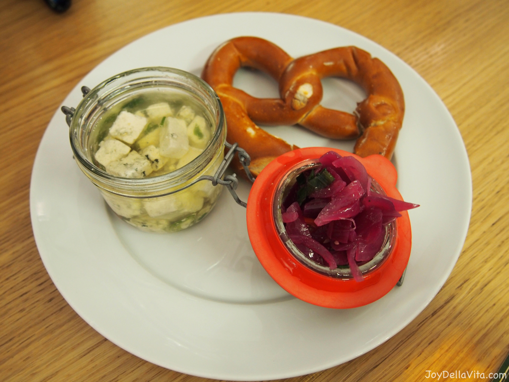 Pickled Cheese Restaurace Mincovna Prague
