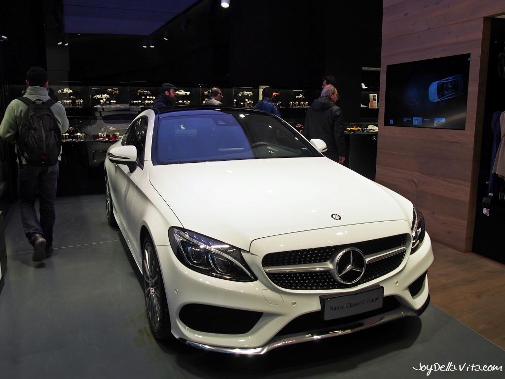 Mercedes me Store Mailand in der Galleria Vittorio Emanuele II