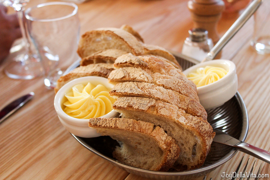 deicious fresh bread and butter