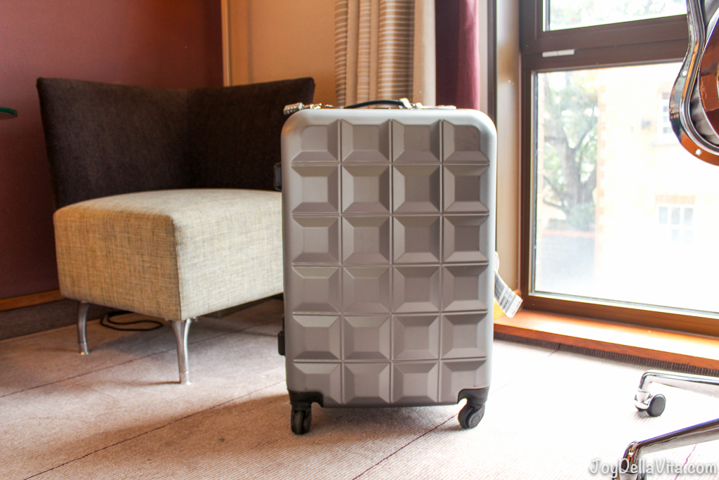 Review: PRIMARK Suitcase in Size M