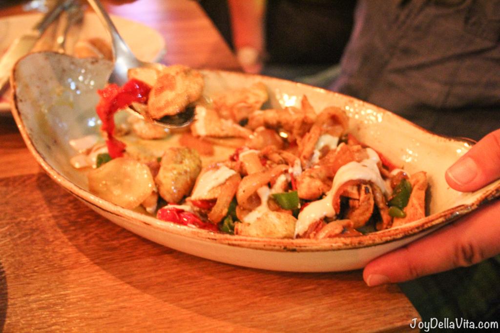 Balangan Dinner NENI 25hours Berlin Falafel Hummus Pavlova JoyDe