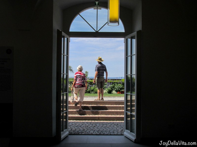 Tourists leaving the New Castle
