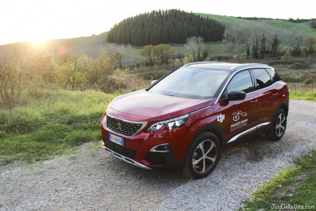 Peugeot 3008 GT-Line BlueHDi 150 in Ultimate Red