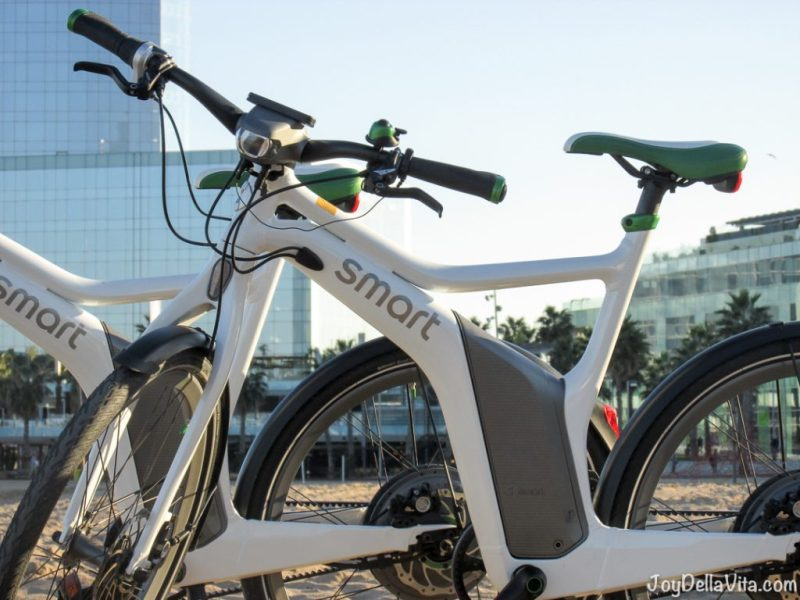smart ebike Barcelona Beach Travelblog JoyDellaVita
