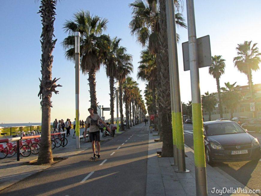 smart ebike Barcelona Beach Travelblog JoyDellaVita
