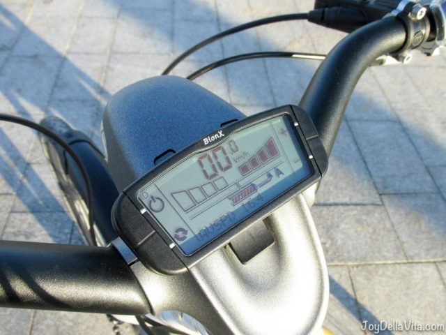 smart eBike Computer / Monitor with speed and battery information