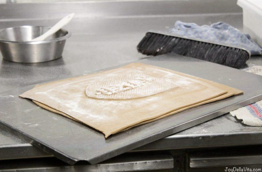 Baking 'St.Galler Biber' at Confiserie Roggwiller St. Gallen