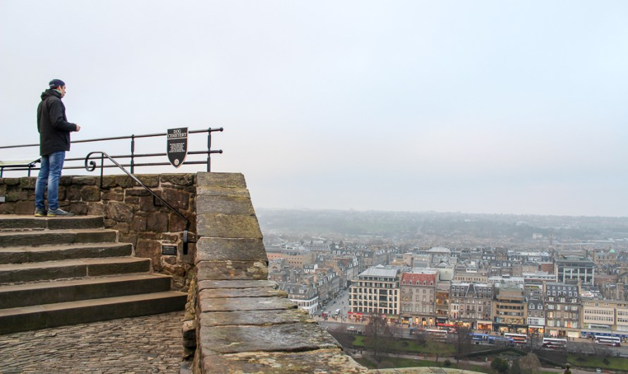 Edinburgh Castle – Must See in Edinburgh / Scotland