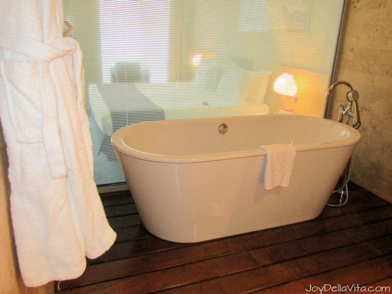 bathtub at Silken Gran Hotel Domine Bilbao Travel Blog JoyDellaVita