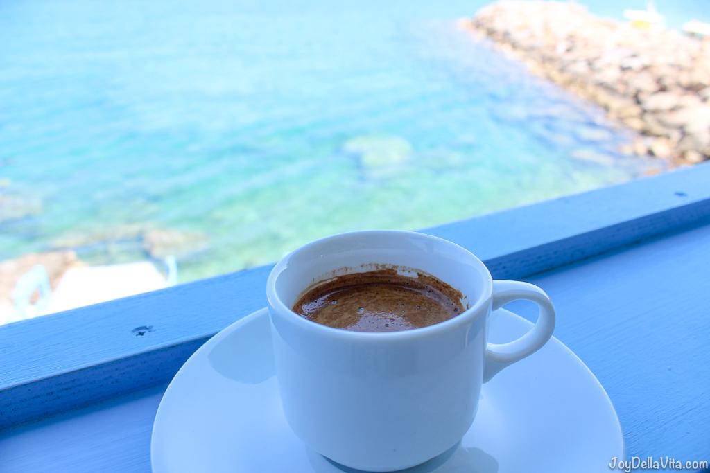 Greek Coffee Restaurant Giorgos Tavern Plaka Crete -  Travelblog JoyDellaVita.com