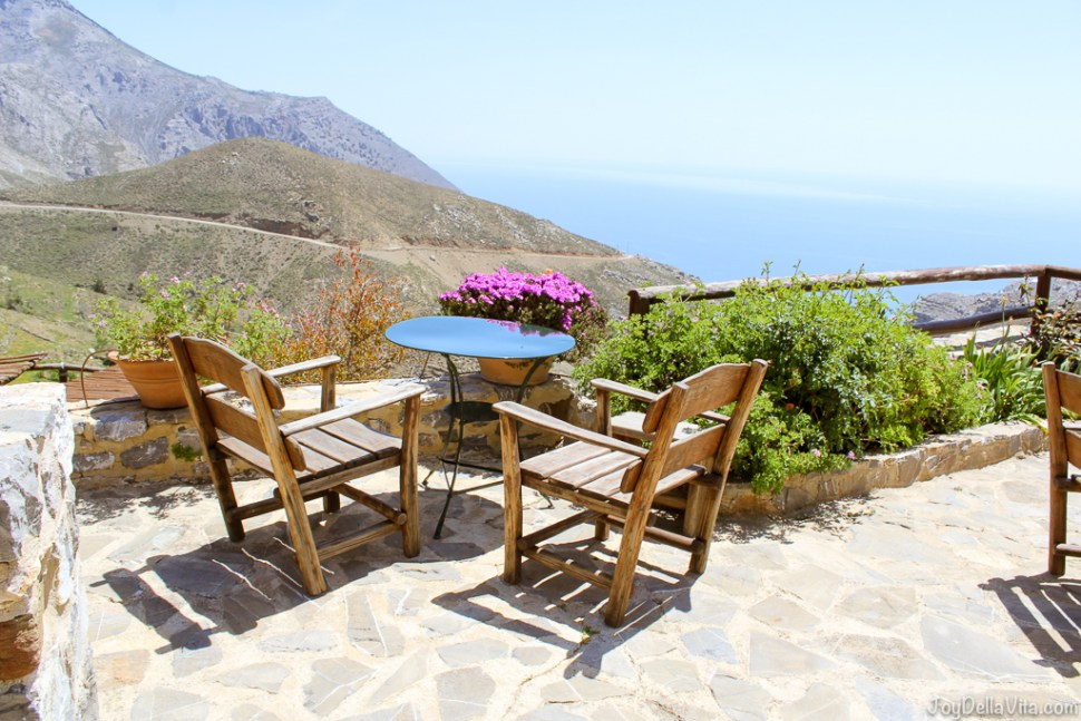 View from the Restaurant at Thalori Traditional Village in Kapetaniana towards the South of Crete - Travelblog JoyDellaVita.com