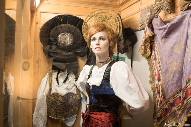 clothing for females local history museum Oberstaufen Allgäu - JoyDellaVita.com