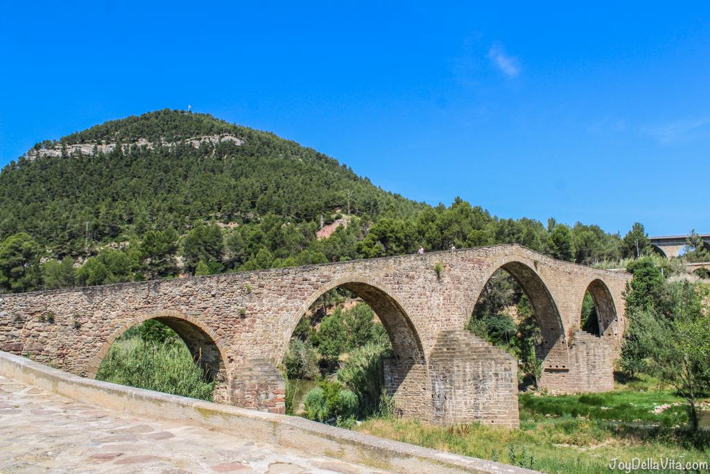 Pont Vell in Castellbell i el Vilar - Firestone Roadhawk Tire Barcelona - Travel blog JoyDellaVita.com