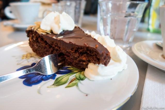 chocolate cake Cafe Frankfurt City Centre Cafébar im Kunstverein Frankfurt