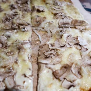 Flam's Paris Alsatian tarte flambée Champignons Onions travelblog