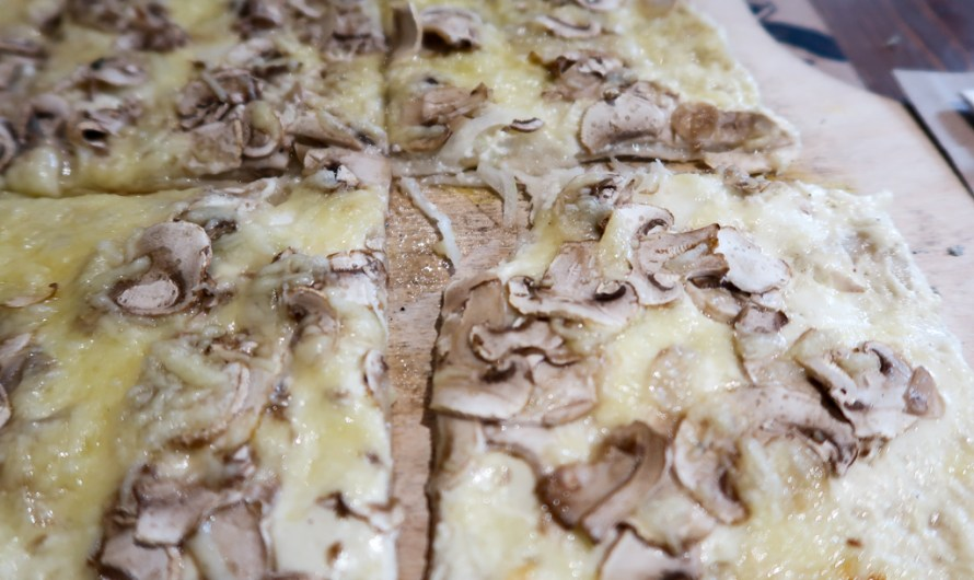 Alsatian tarte flambée in Paris at Flam's near Galeries Lafayette