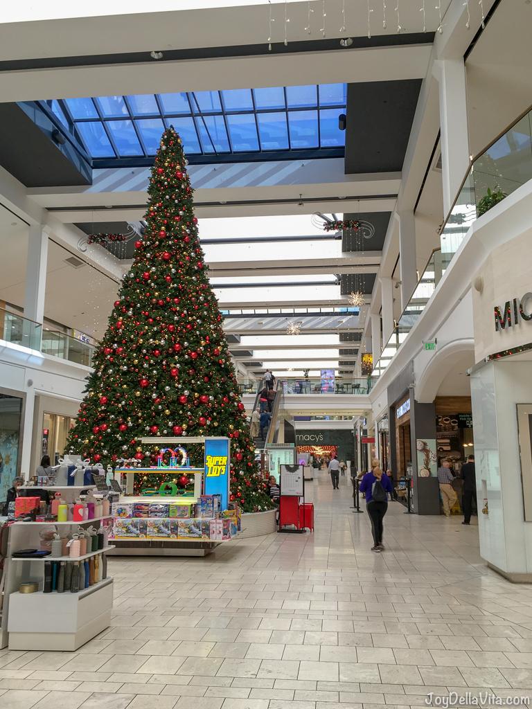 Christmas Tree Westfield Fashion Square Sherman Oaks Los Angeles