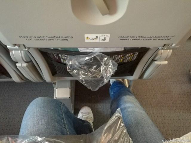 Qatar Airways Boeing 787 Dreamliner Economy Class Legroom Seat 32 C Aisle