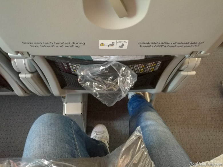 Qatar Airways Boeing 787 Dreamliner Economy Class Legroom Seat 32 C Aisle