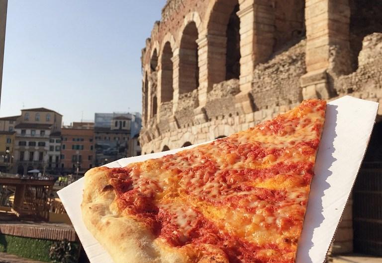 Fast Pizza in Verona near Arena di Verona