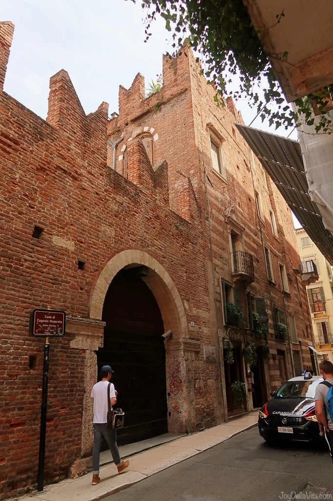 Via Arche Scaligere 2 37121 Verona Casa Romeo in Verona, the House of Romeo of Romeo & Juliet