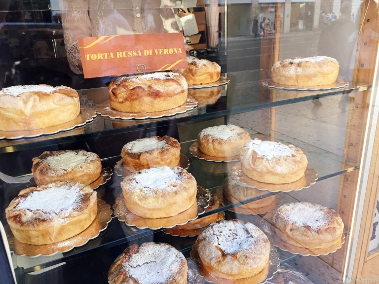 Dessert speciality from Verona: Torta Russa di Verona