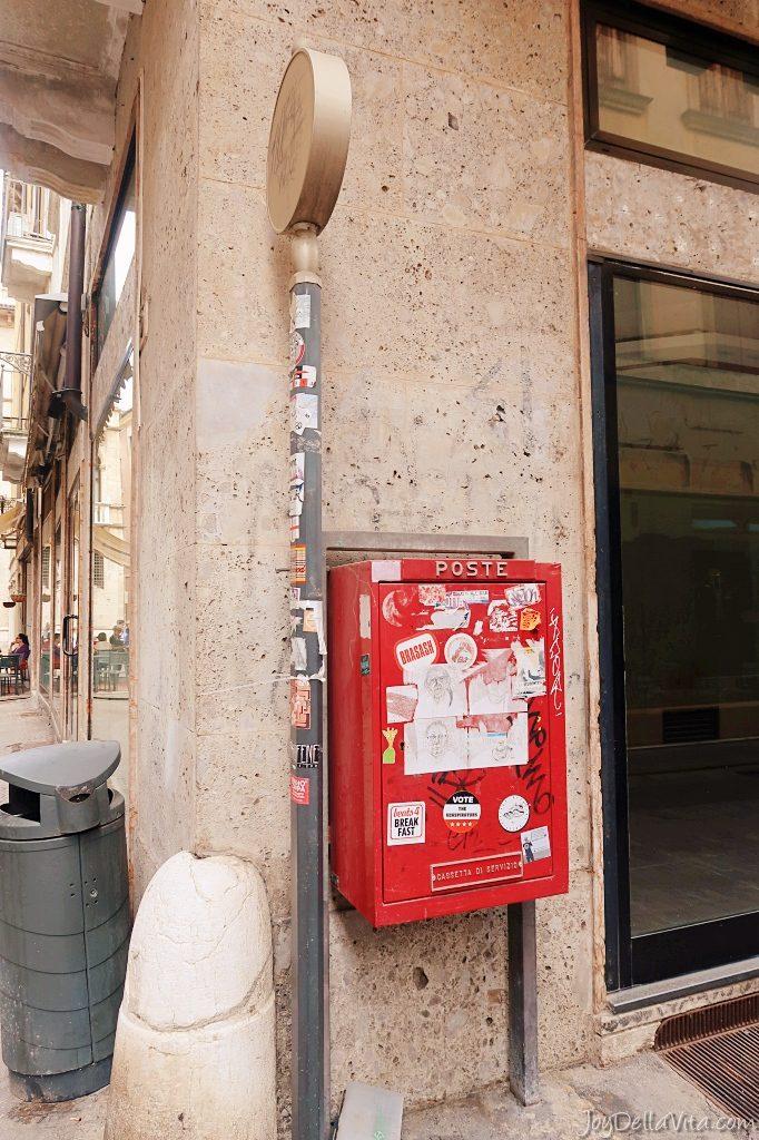 roter Briefkasten Italien