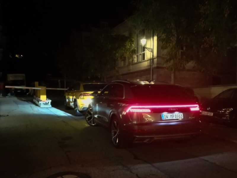 Audi Q8 light night