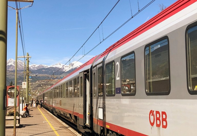 Taking a Train from Innsbruck to Brixen in South Tyrol (ÖBB EuroCity)