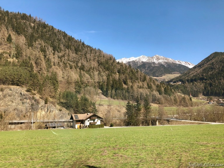 How far is Brixen from Innsbruck ?