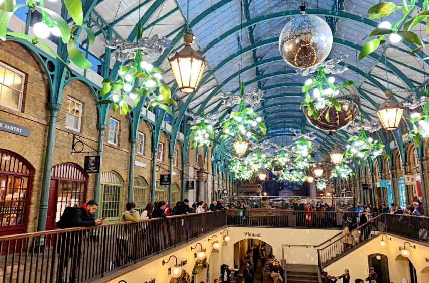 Covent Garden London winter christmas decorations 2019 / 2020
