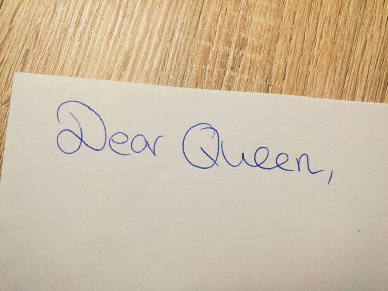 How to write a letter to Queen Elizabeth II., the Queen of the United Kingdom