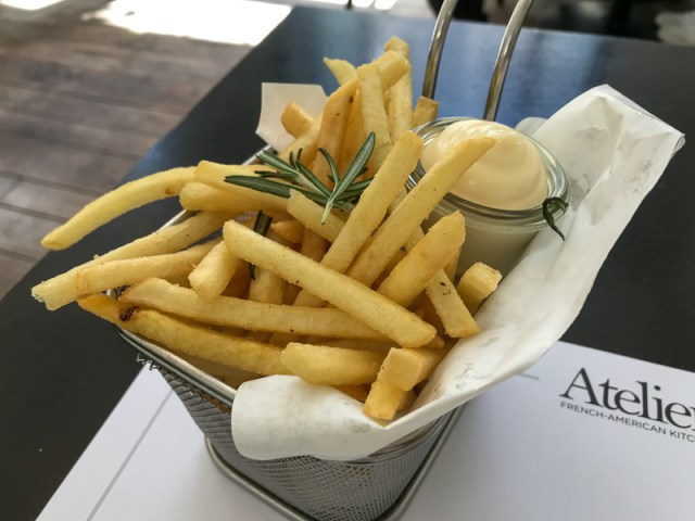 Truffle fries with mayo at Atelier F Hamburg
