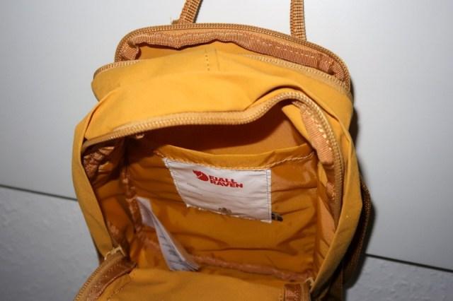 a look inside the 2.5 L small Kanken Sling bag