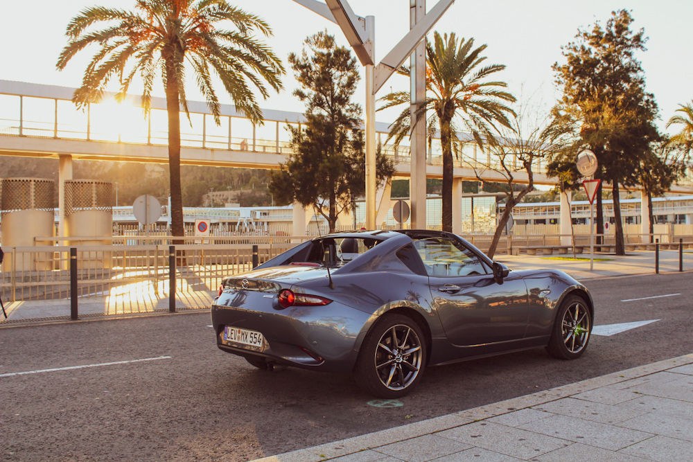 Summer Roadtrip Playlist 2021 Barcelona Mazda mx5 travel Blog joydellavita