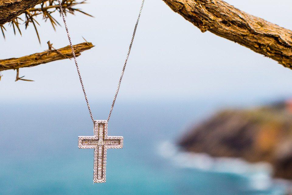 cruz de diamantes