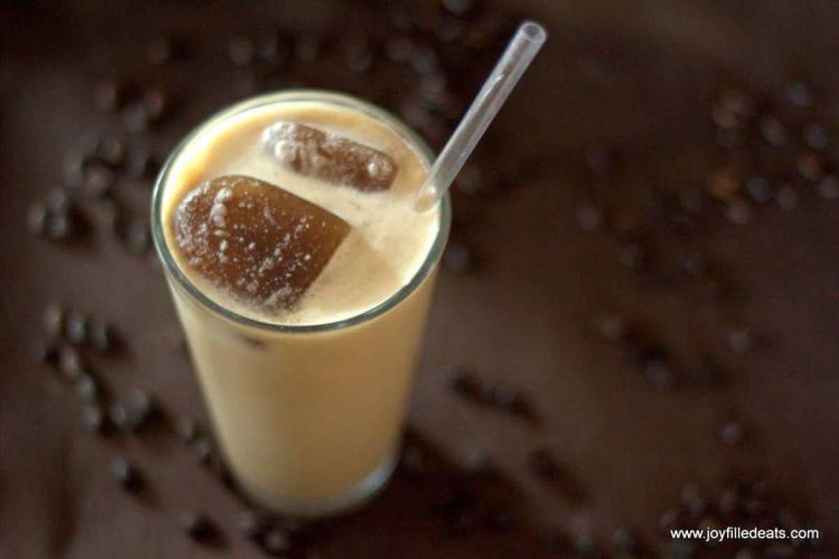 Copycat Starbucks SF Vanilla Latte Frappuccino - Gluten/Grain/Sugar FREE, LOW CARB, & THM S