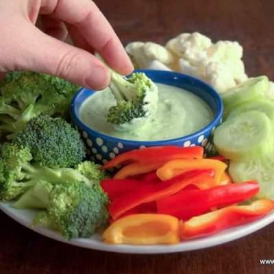 Creamy Chive Dip – 5 Ingredients, Low Carb, Keto