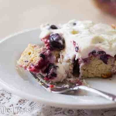 Berry Cake with Cream Cheese Icing – Keto, Low Carb
