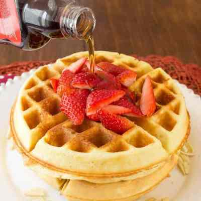 Low Carb Waffles – Easy Flourless Almond