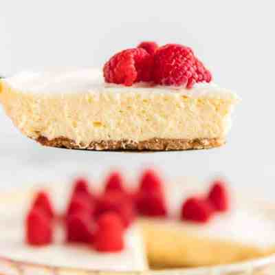 Lemon Cheesecake with Sour Cream Topping