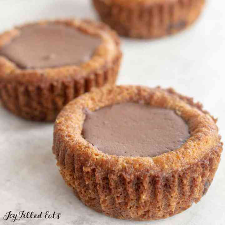 chocolate cookie cups with ganache filling