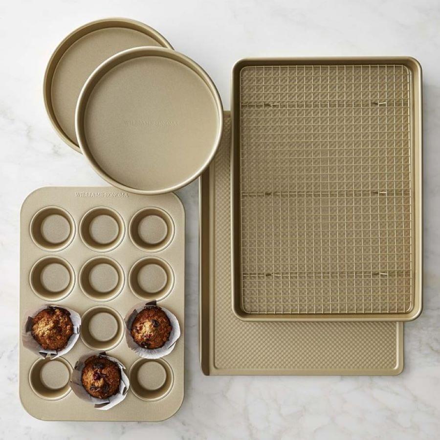 Nonstick golden bakeware set
