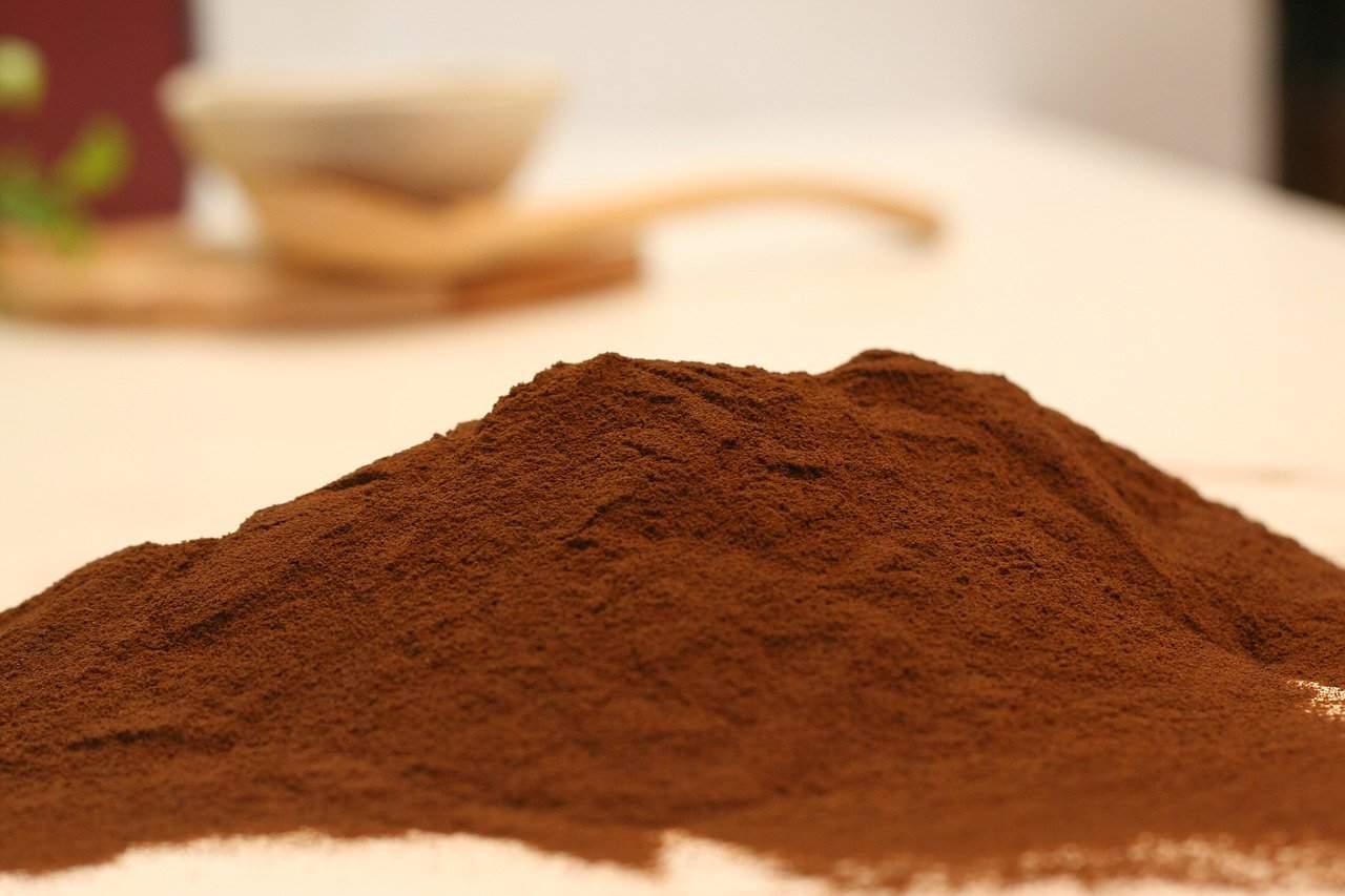 Hot chocolate powder heap