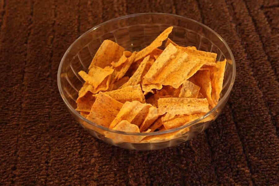 Harvest cheddar Sunchips in a bowl