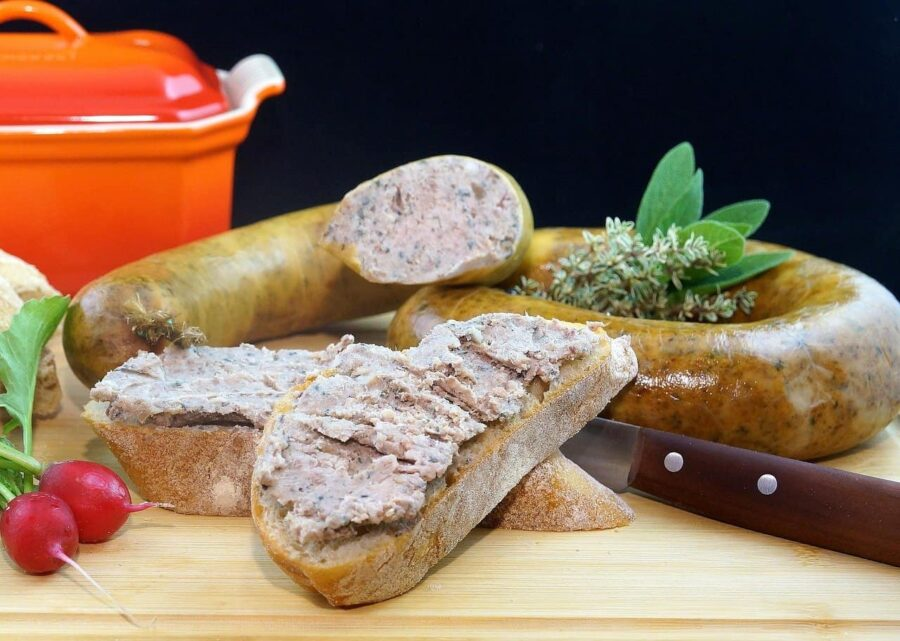 Liverwurst spread on bread