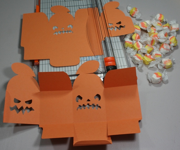Cricut Halloween Treat Boxes Using 12 215 24 Mat Give Away